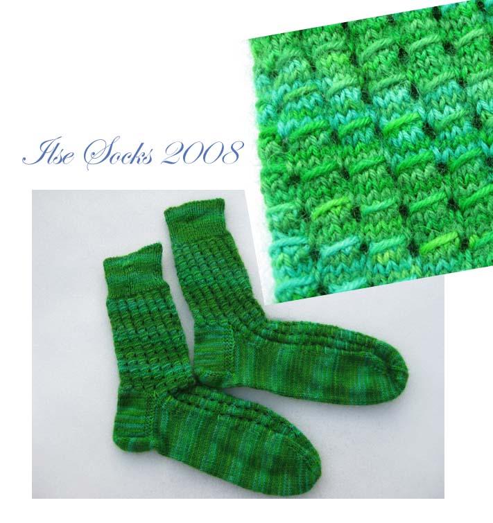 Grüne Socken selbstgefärt mit Eierfarbe